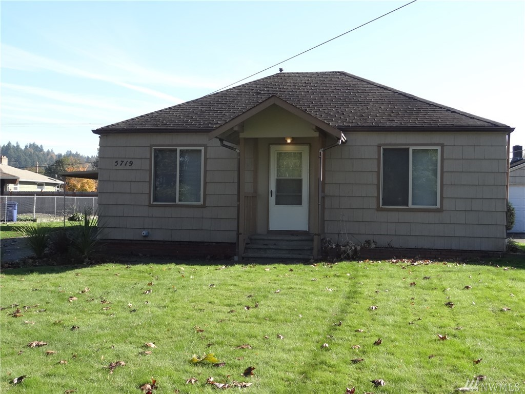 Photo of 5719 108th Ave Ct East, Puyallup, WA 98372