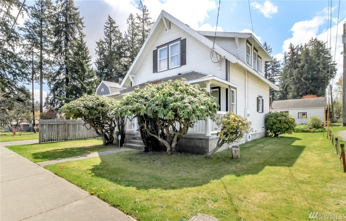 Photo of 402 96th St E, Tacoma, WA 98445