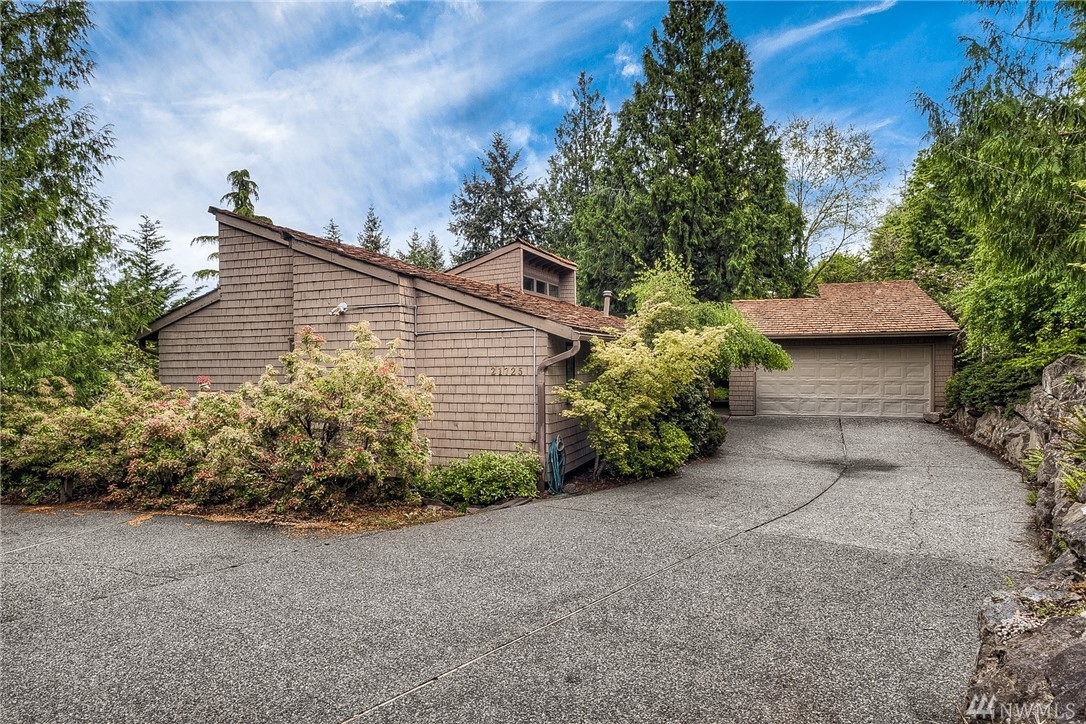 Photo of 21725 SE 254th Place, Maple Valley, WA 98038