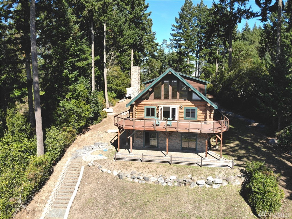 Photo of 12508 Cole Point Dr, Anderson Island, WA 98303
