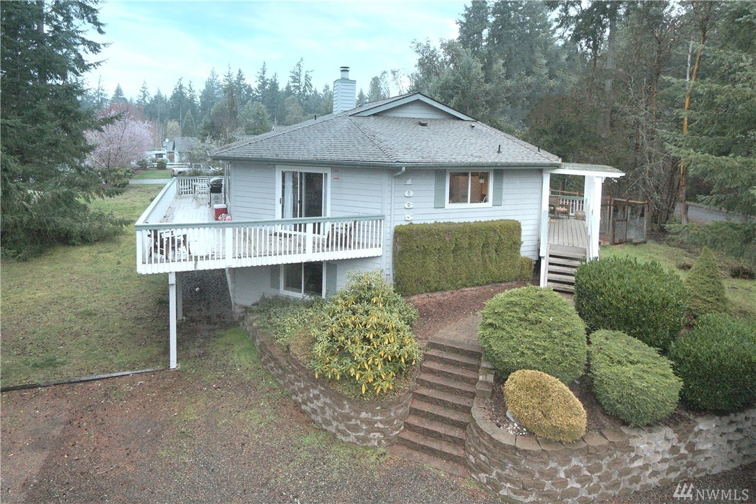 Photo of 1065 Potlatch Dr, Fox Island, WA 98333