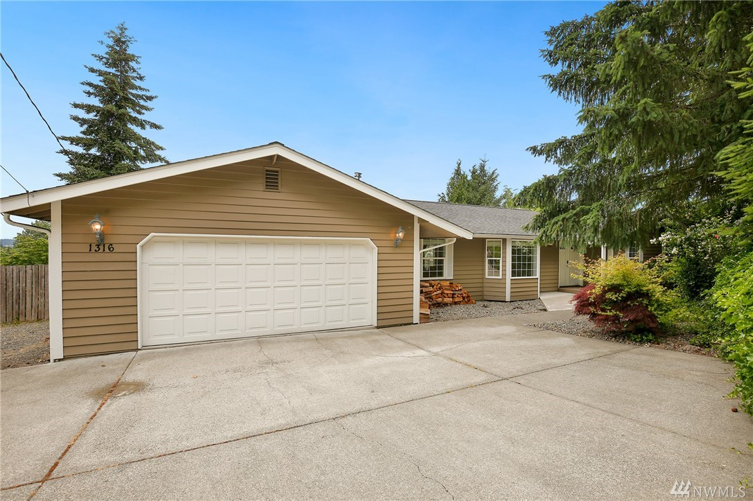 Photo of 1316 Valley View Dr, Puyallup, WA 98372