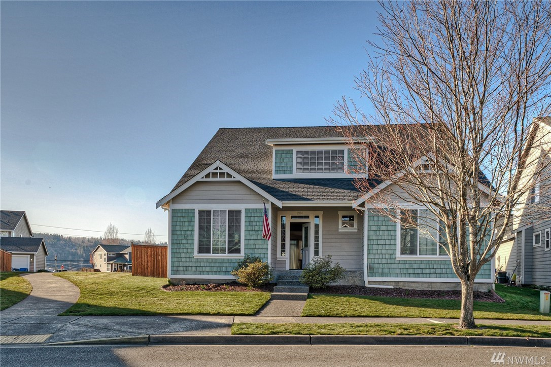 Photo of 204 Hawk Ave SW, Orting, WA 98360