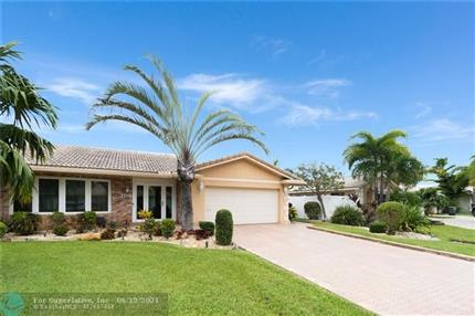 Photo of 4421 NE 27th Ave, Lighthouse Point, FL 33064