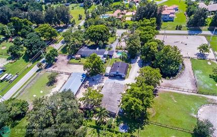 Photo of 13901 SW 26th St, Davie, FL 33325