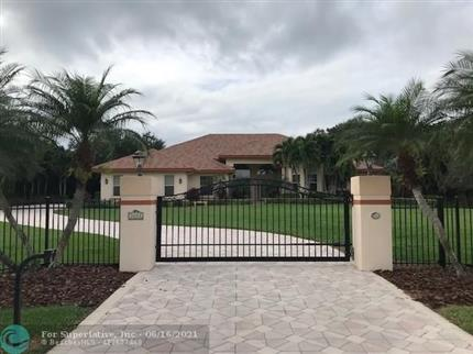 Photo of 3221 SW 117th Ave, Davie, FL 33330
